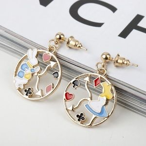 🌸2/$20 Alice in Wonderland inspired Earrings